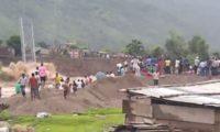 Arrastamento de fundações provoca queda de ponte no Nepal