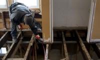 Trabalhador Construção Civil em Manobra Arriscada