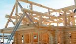 Como se Constrói uma Casa de Troncos de Madeira